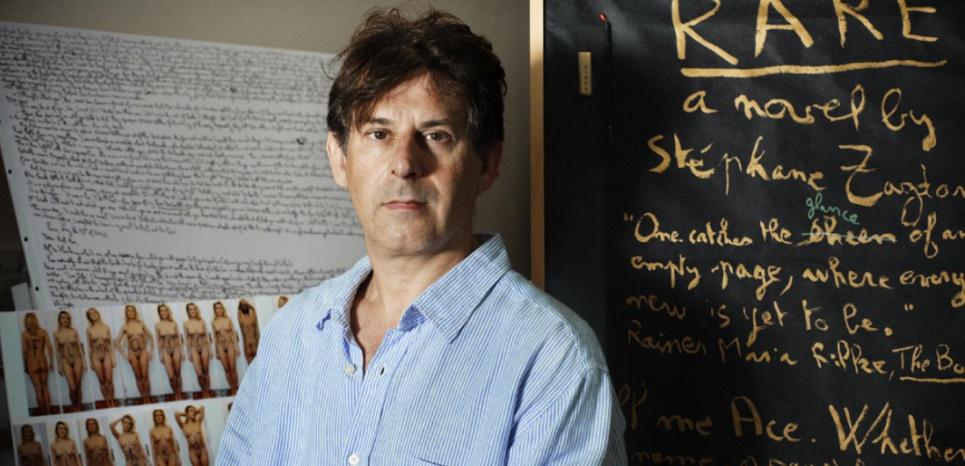 Stéphane Zagdanski, écrivain français, photographié dans son atelier à Paris en juillet 2015 par Mathieu Zazzo