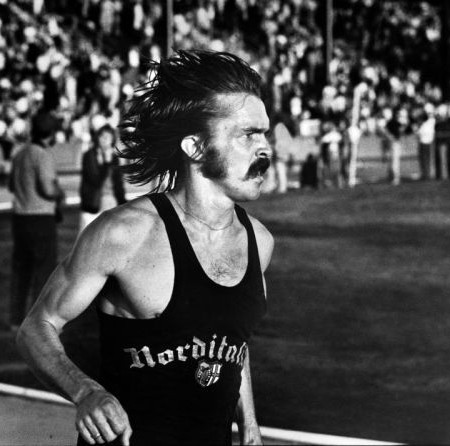 asset-version-7b4dcc4d60-freetorun_char_22_steve-prefontaine-register-guard