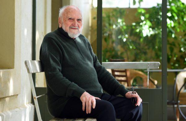 poete-romancier-Frederic-Jacques-Temple-Aujargues-2-octobre-2018-Gard_1_1399_907
