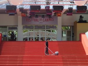 cannes-cleaning-red-carpet